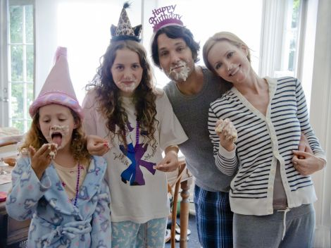 (L to R) Charlotte (IRIS APATOW), Sadie (MAUDE APATOW), Pete (PAUL RUDD) and Debbie (LESLIE MANN) in Judd Apatow's 'This Is 40.' Courtesy of Suzanne Hanover/Universal Studios.